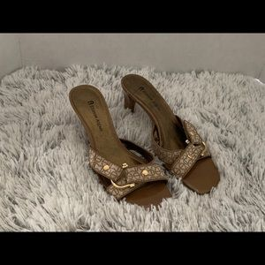 Etienne Aigner women's slip on low heel shoes tan